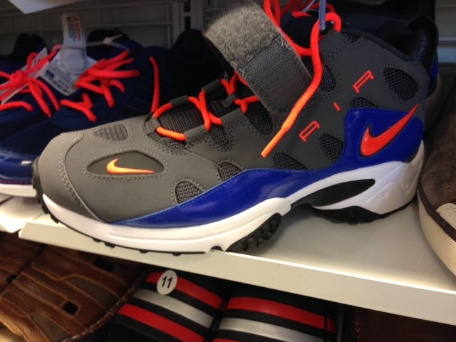 Nike Air Turf Raider